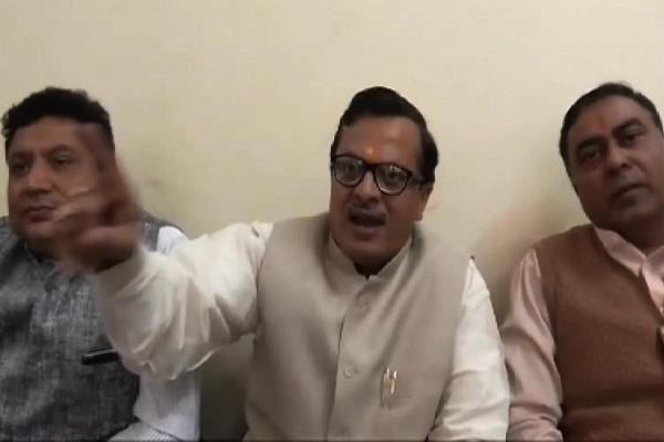 भाजपा नेता का विवादित बयान, कहा-मुलायम सिंह के डीएनए में है दोष