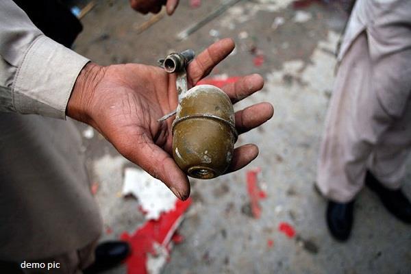 जम्मू-कश्मीर: नौगाम में पुलिस पर ग्रेनेड से हमला, 2 पुलिसकर्मी घायल