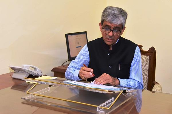 सुरेश कुमार ने मुख्य प्रधान सचिव का पद संभाला
