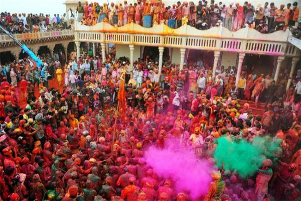 कुछ इस तरह जमता है श्री आनंदपुर साहिब में होला महल्ला का रंग, जानिए इतिहास
