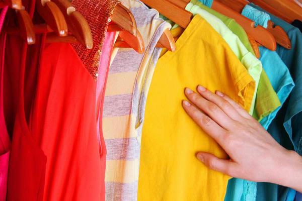 भाग्य में परिवर्तन करते हैं इन रंगों के वस्त्र, जानिए कब पहनें
