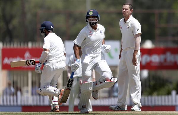 भारत को जीत की उम्मीद, दूसरी पारी में उड़े कंगारुओं के 2 विकेट