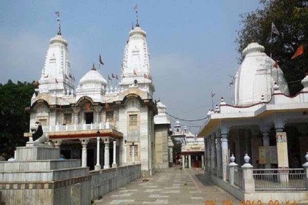 इस मंदिर में त्रेतायुग से जल रही है अखंड ज्योति, योगी आदित्यनाथ हैं इसके महंत