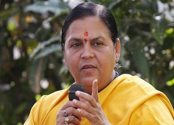 उमा भारती का बयान- मंत्री के लिए 5-7 मिनट देरी से उड़ सकती है फ्लाइट