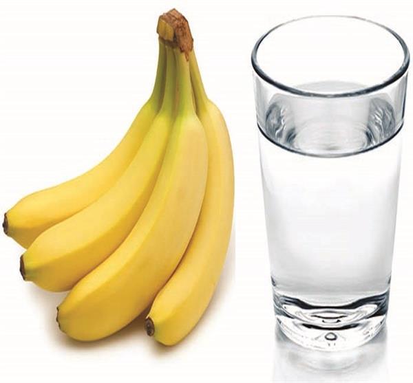 गुनगुने पानी के साथ खाएं यह फल, मिलेंगे 10 बेमिसाल फायदे