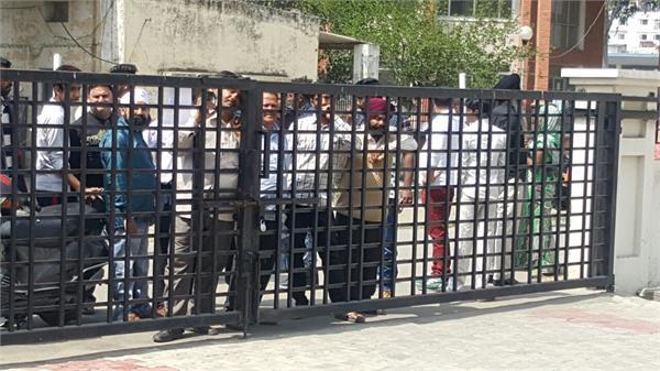 पंजाब कैबिनेट का फैसला ,जालंधर में  डी.टी.ओ. ने बंद किया काम