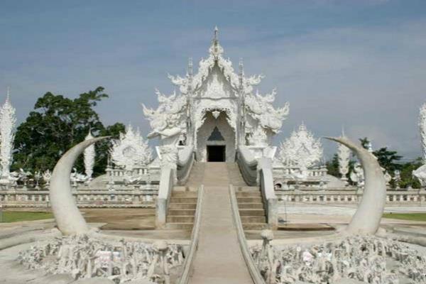 मृत्यु के बाद क्या होगा आपके साथ, देखने के लिए करें नर्क मंदिर की यात्रा