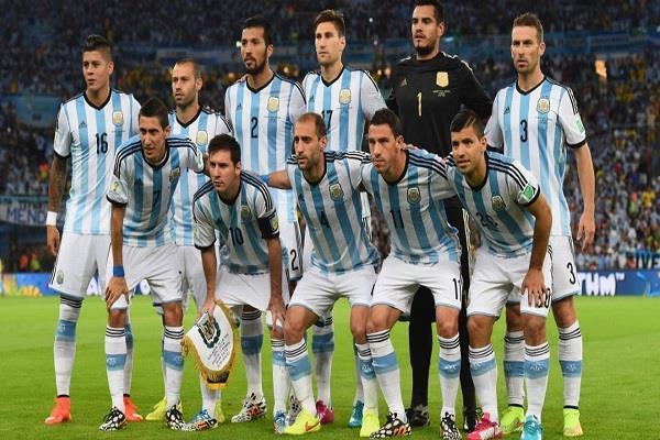 अर्जेंटीना फुटबॉल को चेतावनी, फीफा लगा सकता है बैन