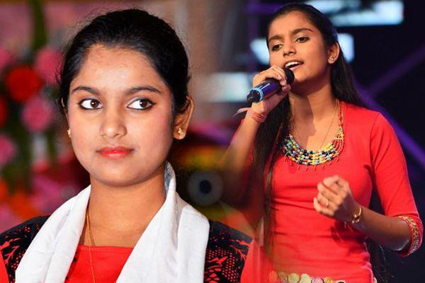 shivsena supported singer nahid afreen and praises her talent