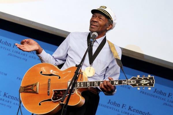 रॉक एंड रोल के दिग्गज कलाकार चक बेरी का 90 साल की उम्र में निधन
