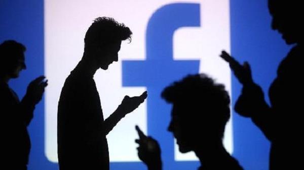 बार-बार  facebook की तलब हो सकती है खतरनाक !