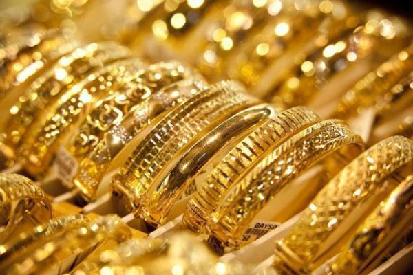 चांदी में भारी गिरावट, सोना भी सस्ता