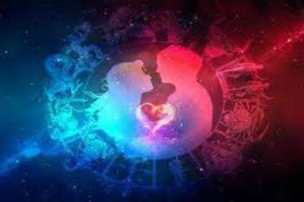 हर शुक्रवार करें इन मंत्रों का जाप, Love Life में होगा सुधार मिलेंगे मनचाहे परिणाम