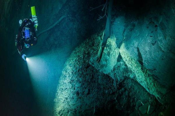 चीनी पुरातत्वविदों ने पानी के नीचे से खोज निकाला विशाल खजाना