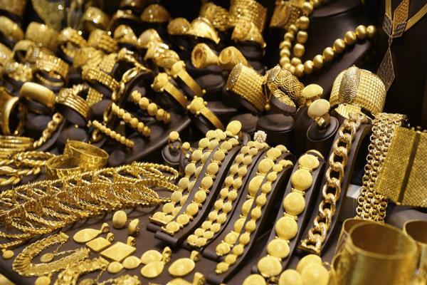 सोना 50 रुपए चमका, चांदी स्थिर