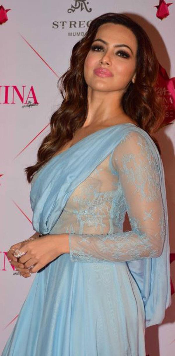 sana khan during the 3rd edition of nykaa femina beauty awards