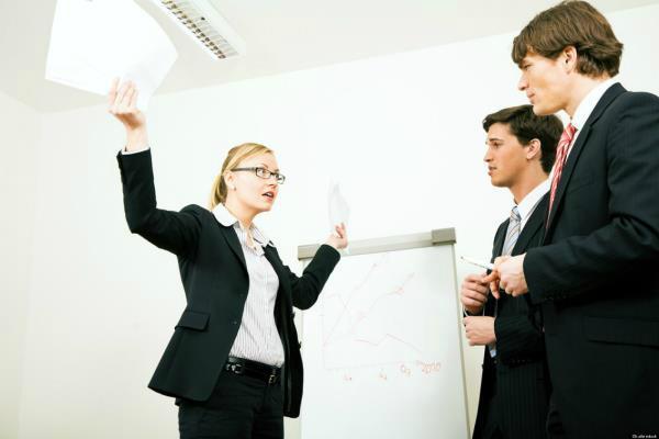 जानें किन कारणों से लोग ज्यादातर छोड़ते हैं नौकरी