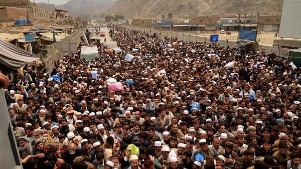 पाकिस्तान ने दिया अफगान सीमा खोलने का आदेश