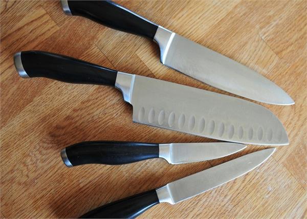 चाकू की धार को आसानी से घर पर करें तेज