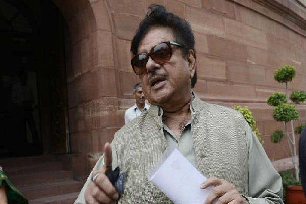 PM मोदी पर चुनावों का बोझ डालने पर शत्रुघ्न नाराज, कहा- ओवर-एक्सपोजर ठीक नहीं