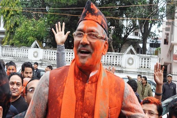 उत्तराखंड: त्रिवेंद्र सिंह रावत होंगे नए मुख्यमंत्री, जानिए उनके बारे में 10 खास बातें