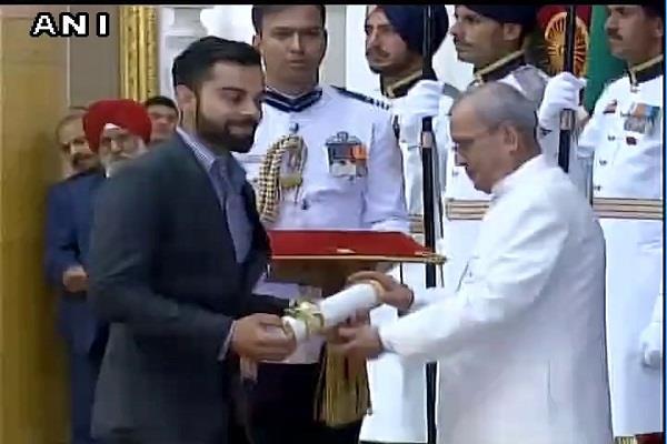 विराट कोहली, दीपा और श्रीजेश पद्म श्री पुरस्कार से सम्मानित