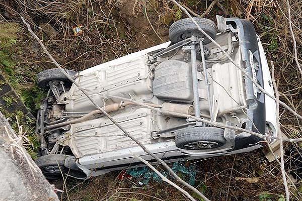 उत्तराखंड के अल्मोड़ा में कार खाई में गिरी, 8 की मौत, 6 घायल
