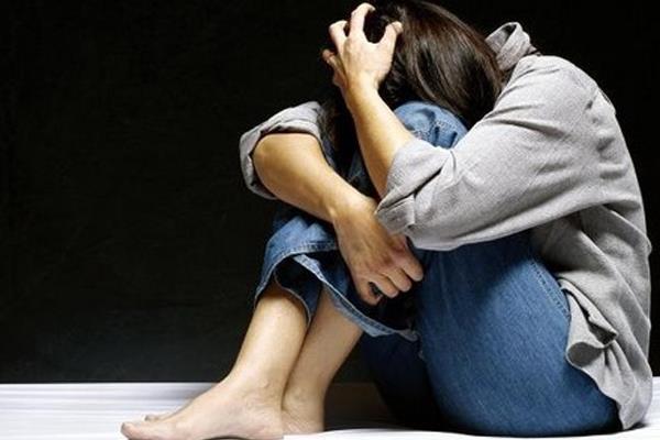 बेटी को अकेला देख बाप की फिसली नीयत, दुष्कर्म का  प्रयास