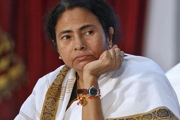 नारदा स्टिंग मामले में दीदी की बड़ी मुश्किलें, CBI ने 12 नेताओं पर किया मामला दर्ज