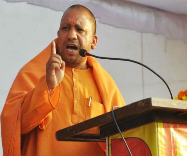 CM योगी आदित्यनाथ ने लाल-नीली बत्ती पर लगाया ब्रेक, आज से यूपी में बैन