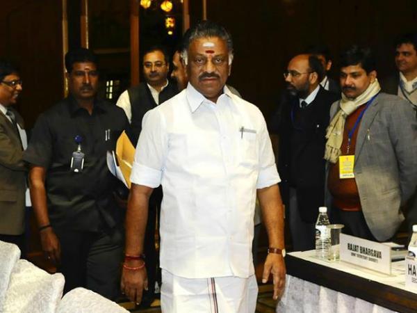 तमिलनाडु: पन्नीरसेल्वम खेमे का संकेत-विलय को तैयार, हो सकती है शशिकला की छुट्टी