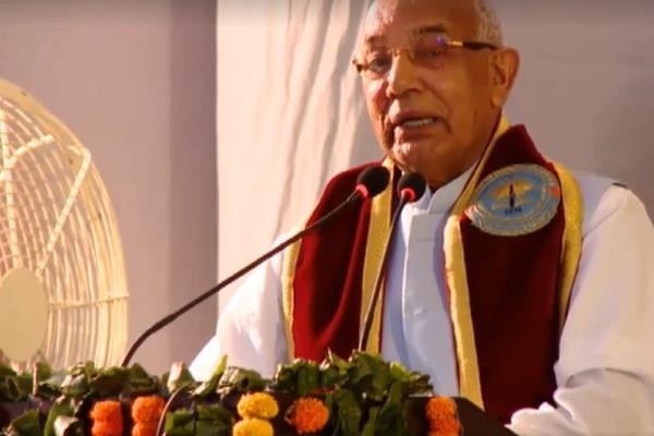 देश की आत्मा से जुड़ने के लिए हिंदी पर पकड़ जरूरी:प्रो. सोलंकी