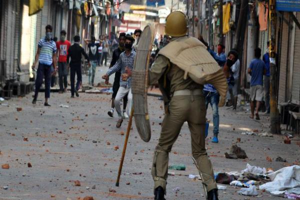 कश्मीर हालात पर बढ़ी PM मोदी की चिंता, केंद्र सरकार ले सकती है बड़ा फैसला