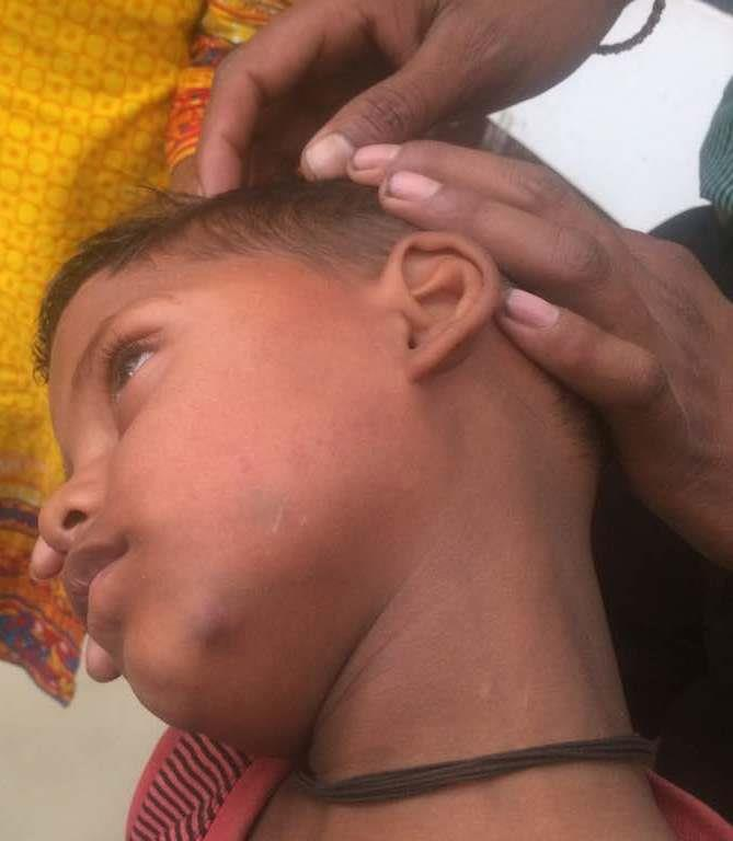 बच्चे की पिटाई की शिकायत लेकर आई मां को अध्यापिका ने जड़ दिया थप्पड़!