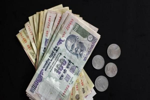 रुपए की शुरुआत कमजोरी के साथ, 8 पैसे गिरा