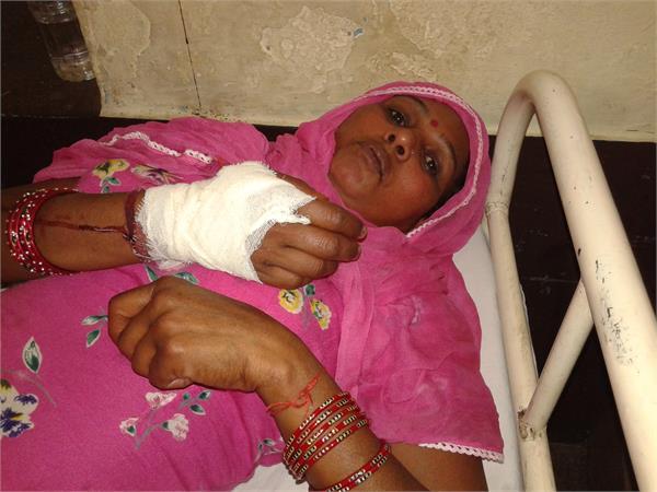 कोठी पर कब्जे को लेकर 2 पक्षों में मारपीट, 2 महिलाएं घायल