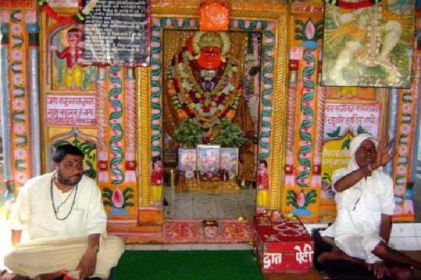 हनुमान जी के इस मंदिर में होता है हर टूटे अंग का इलाज, डॉक्टर भी हैं हैरान!