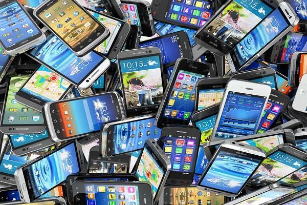 स्मार्टफोन बाजार: भारत के 'संरक्षणवाद' पर कार्रवाई कर सकता है चीन