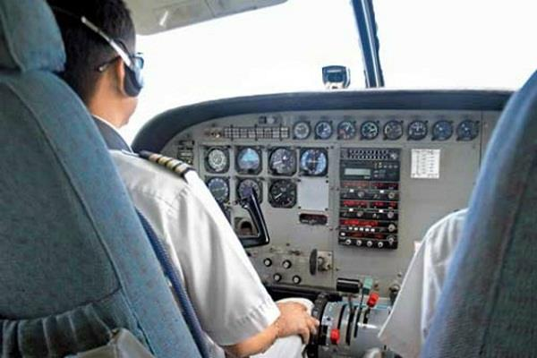 भारतीय पायलटों के साथ हो रहा सौतेल व्यवहार