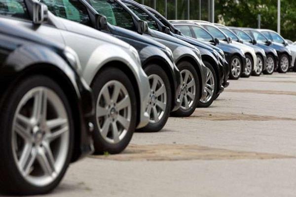 मार्च में वाहनों की बिक्री 30 लाख से पार