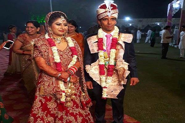 पूर्व हॉकी स्टार मनदीप ने मोनिका संग लिए सात फेरे, देंखे शादी की शानदार तस्वीरें