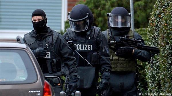 जर्मन फुटबॉल टीम पर हमले को लेकर एक व्यक्ति गिरफ्तार
