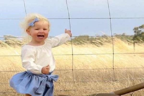 बच्ची की फोटो देख उड़ गए मां के होश, आप भी जाएंगे चौक (pics)