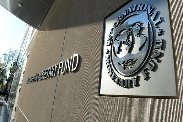 चीन में तेजी से बढ़ रहा कर्ज, अर्थव्यवस्था के लिए हो सकता है खतरनाक: IMF