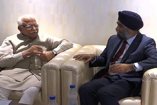 हरियाणा के CM से मिले कनाडा के रक्षामंत्री, कई क्षेत्रों में निवेश में दिखाई रुचि
