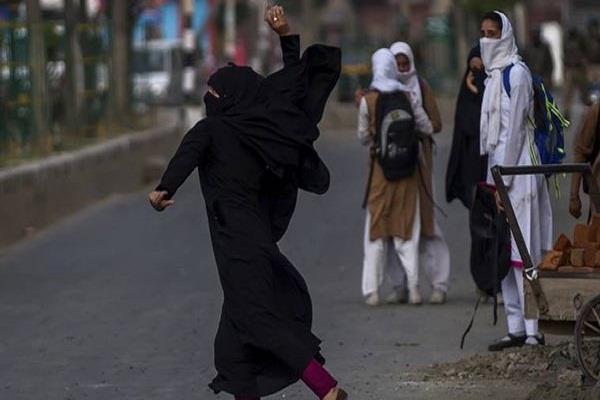 कश्मीर में चौथे दिन भी बंद रहा कॉलेज