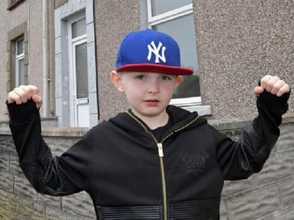 गजब का है ये आठ साल का बच्चा, खरीद लिया अपना घर !