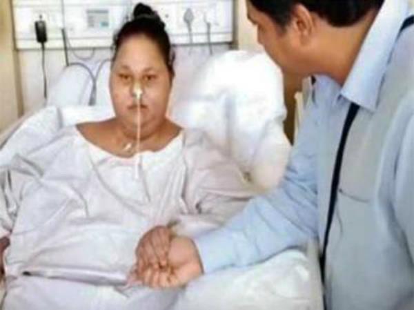 पहले से आधा हुआ ईमान का वजन, डॉक्टरों ने जारी की वीडियो