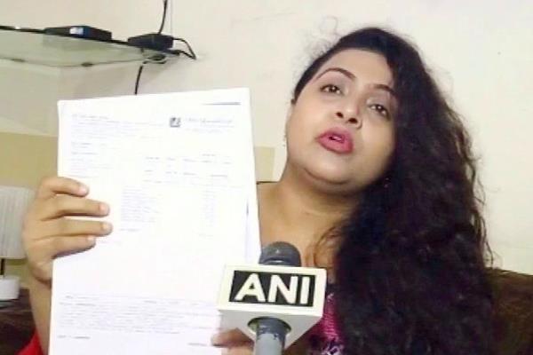 पत्र लिखकर पत्नी को दिया तलाक, महिला ने मोदी और योगी से लगाई इंसाफ की गुहार