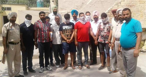 आई.पी.एल. के साथ गर्म हुआ सट्टा बाजार, 6 बुकीज गिरफ्तार, 21 मोबाइल बरामद